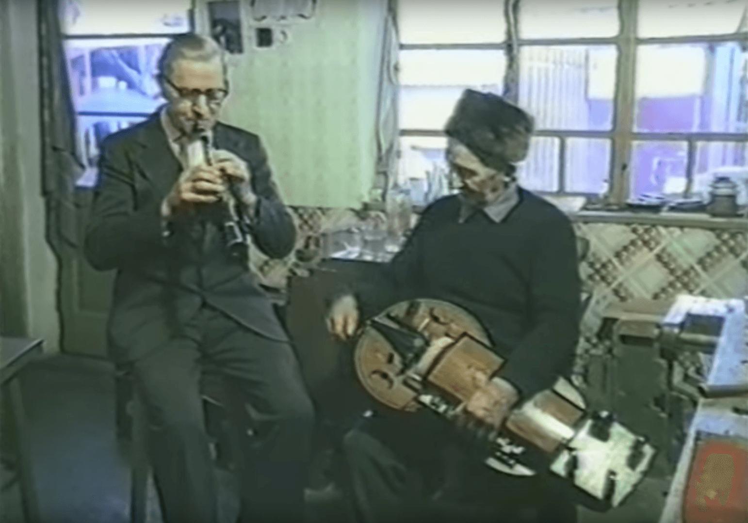 Hongrie : Bársony Mihály (klarinét) et Varga Mihály (tekerő)