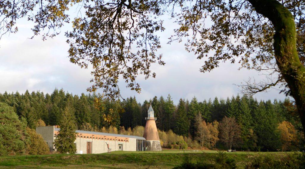 Centre-international-d'art-et-du-paysage-de-l'Île-de-Vassivière-compressor